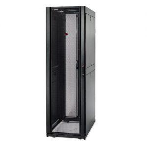 AR3100 NetShelter SX 42U 600mm Wide x 1070mm Deep Enclosure with Sides Black